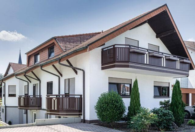 La ringhiera del balcone compatto può essere progettato con molti decori - Balcone in alluminio Alu Select Roma
