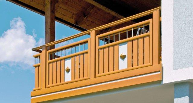 Ringhiera del balcone in alluminio in look legno con elementi in acciaio e decorazione - Balcone in alluminio Alu Wooden Wildspitze
