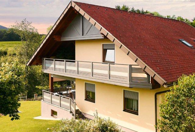 Ringhiera del balcone creativa con vetro e alluminio combinati - Balcone in alluminio Alu Design Palma
