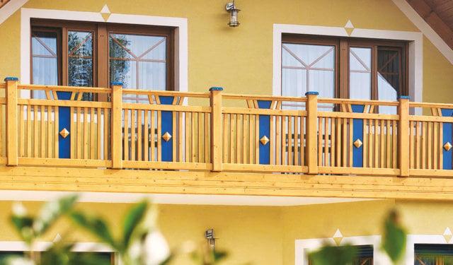 Balconi in legno da Leeb Balkone GmbH in molti modelli di ringhiere